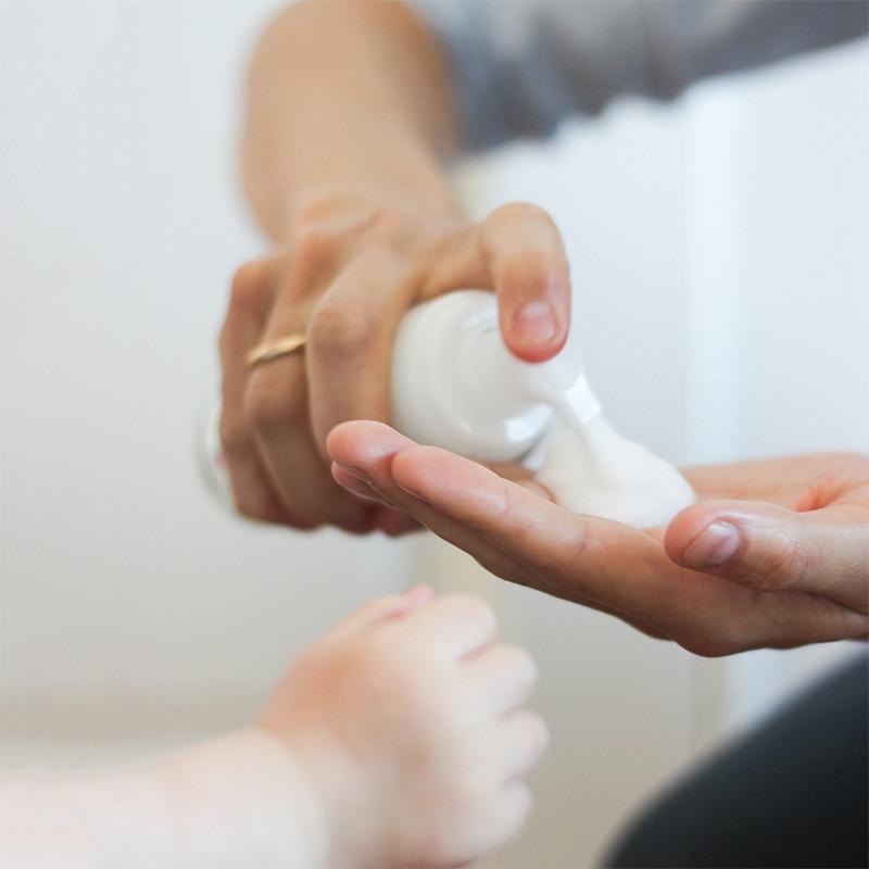 media/image/kaell-pflegender-Hand-Reinigunsschaum.jpg